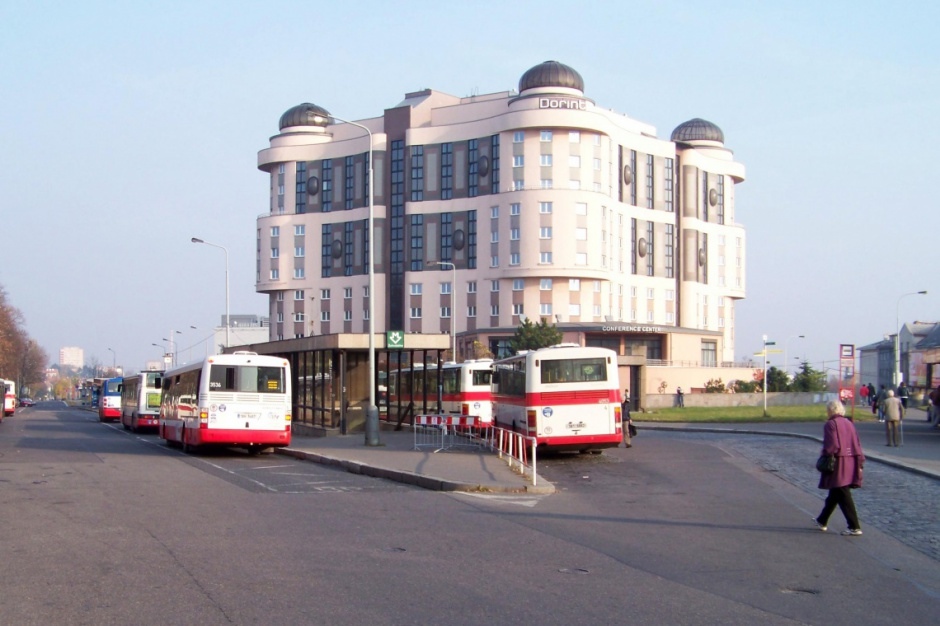 """""""Najbrzydszy"""" hotel w Pradze ma nowego właściciela"""