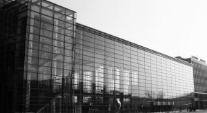Hochtief przebuduje halę MTP