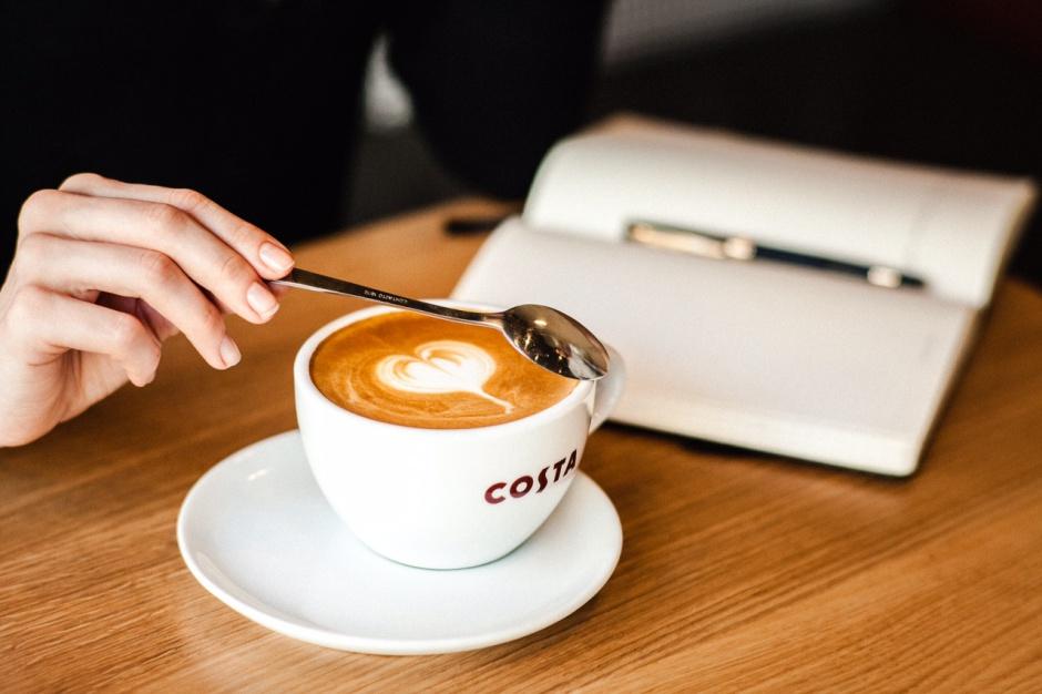 Costa Coffee podejmuje współpracę z wydawnictwem Prószyński i S-ka