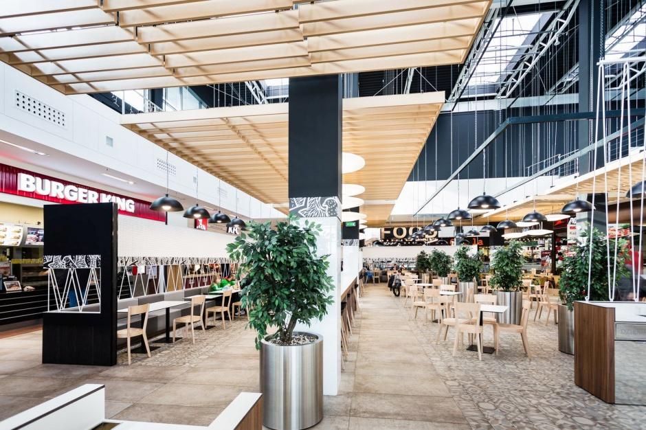 Galeria Jurajska z designerską strefą restauracyjną