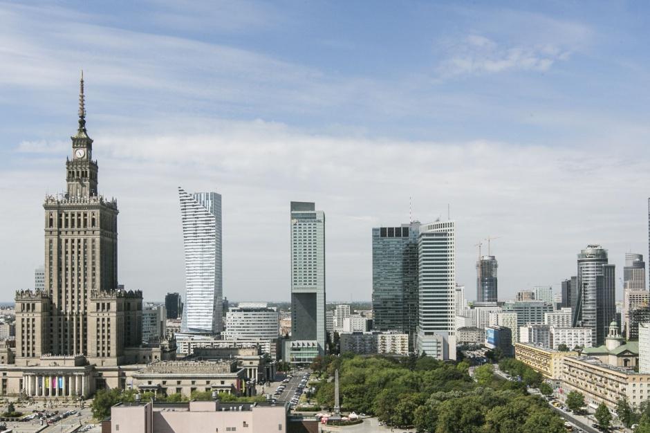 Jak biurowce kształtują urbanistykę Warszawy
