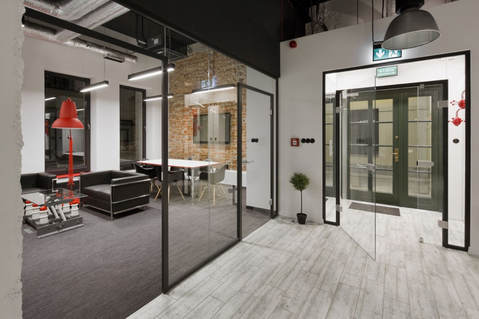 Industrialny charakter biurowych wnętrz przyciąga najemców