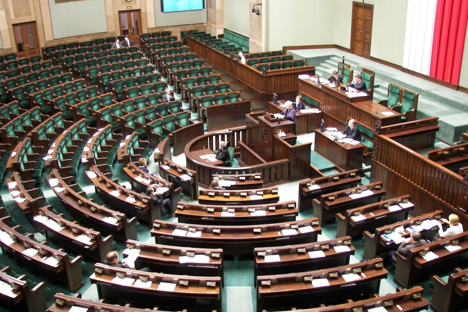 """Sejm za skróceniem procedur przy realizacji inwestycji. RPO ostrzega przed ustawą """"środowiskową"""""""