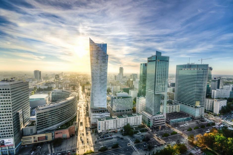 Warszawa biurami stoi