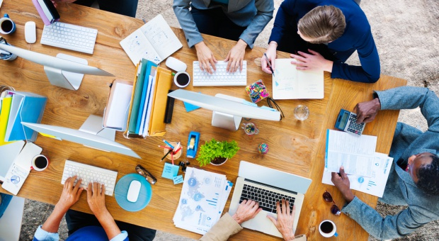 Przestrzenie do pracy zmieniają sposób postrzegania życia biurowego