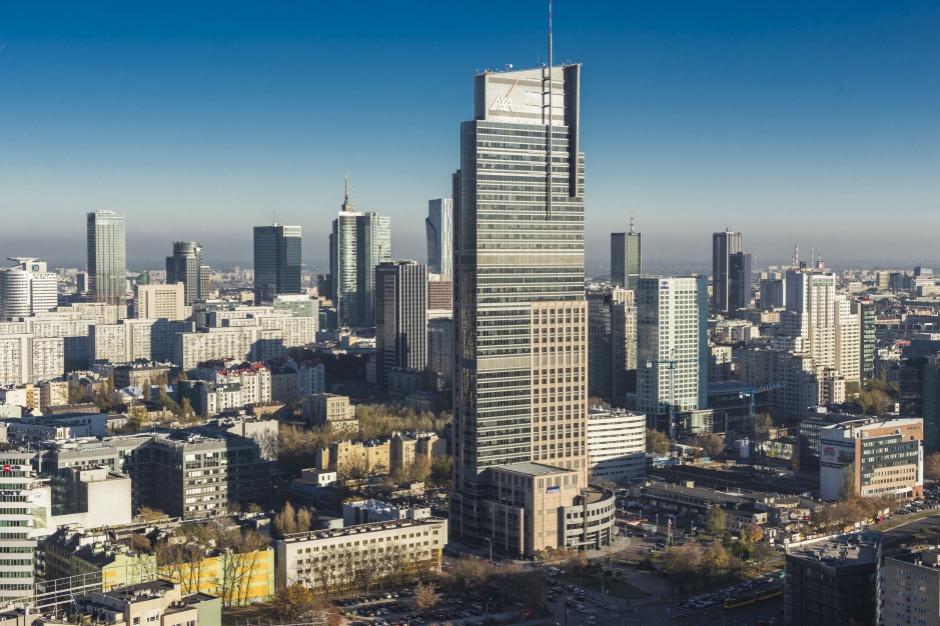 AXA bierze więcej w Warsaw Trade Tower