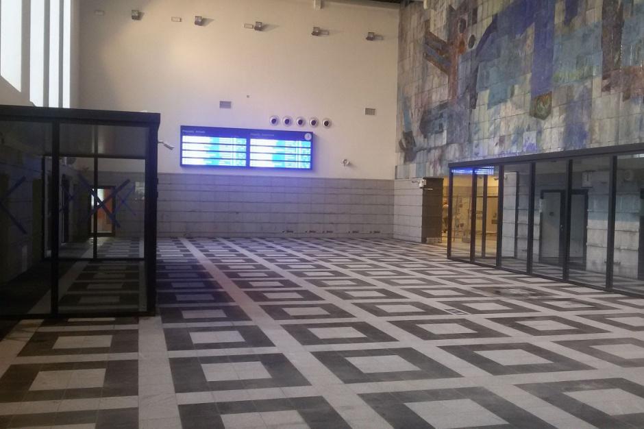 Kolejny dworzec zmienia oblicze i otwiera się dla handlu