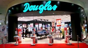 Douglas poszerza sieć