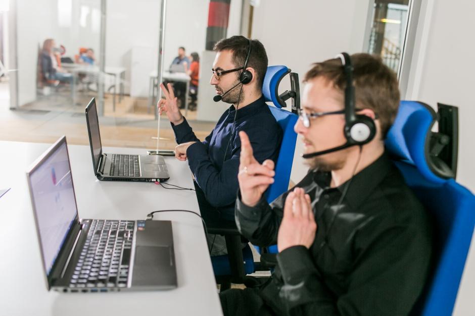 Blue City wprowadza udogodnienia dla niesłyszących