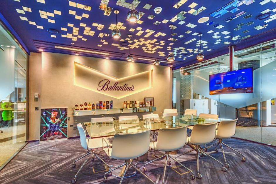 Takim biurem można się pochwalić. Zobacz zdjęcia nowej siedziby Wyborowa Pernod Ricard