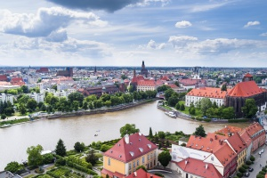 Miał być hotel i biurowiec, będą mieszkanie i promenada. Wrocław sprzedał działkę nad Odrą