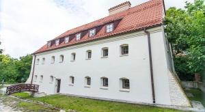 Nowa inwestycja w Kazimierzu. Do wzięcia apartament albo... cały spichlerz
