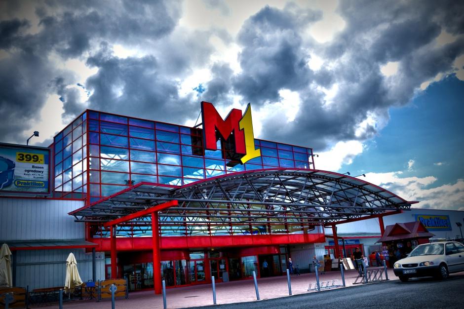 Ożywienie w M1. Większe sklepy, więcej klientów