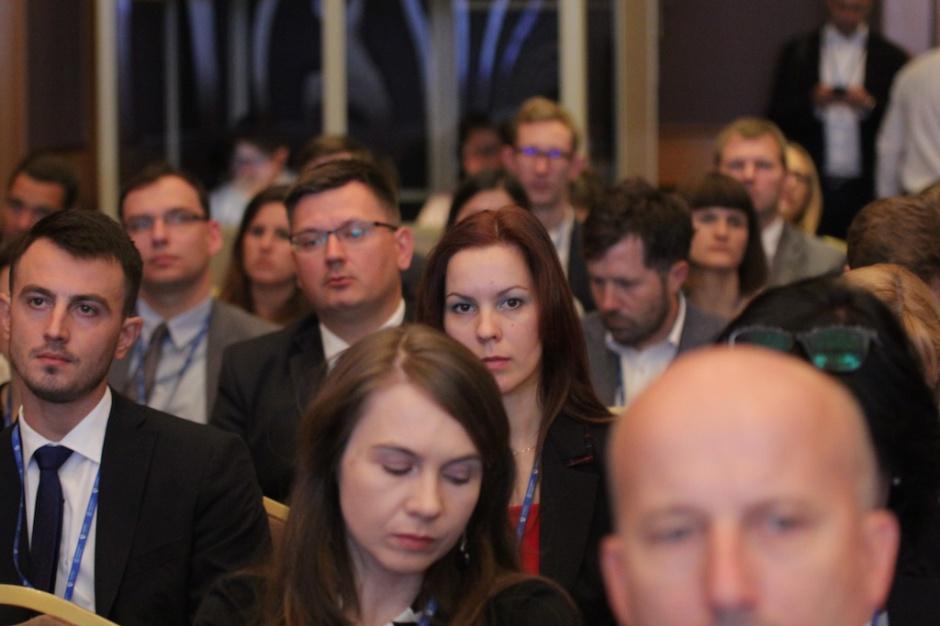 """Sesja """"Polska wyprzedza konkurencję, ale liderem już nie jest"""" w obiektywie"""