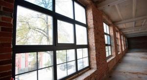 Biurowiec w starej drukarni. Postindustrialna renowacja w Łodzi