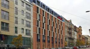 Poznański Hampton by Hilton z kamieniem węgielnym