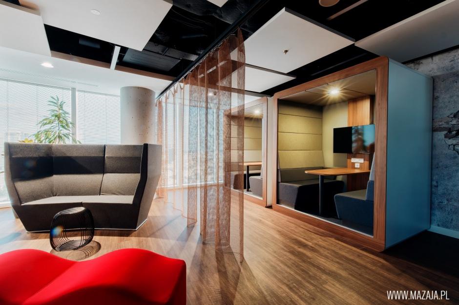 JLL w podniebnej lokalizacji. To największe biuro firmy w Europie