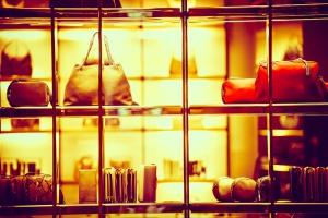 Louis Vuitton, Burberry i Chanel już to wiedzą. Rynek dóbr luksusowych czekają zmiany