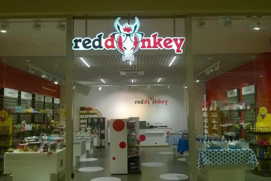 Czerwony Osioł wkracza do gry. Poznaj nową markę na polskim rynku