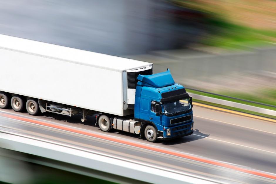 Carrefour chce być eko - także na drogach. Sieć zoptymalizowała transport z myślą o środowisku