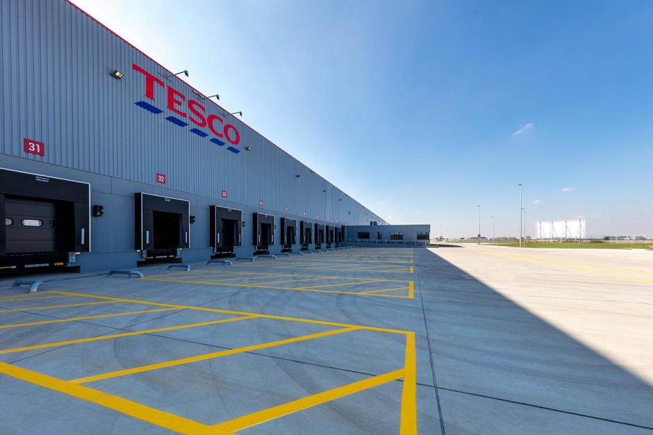 Centrum dystrybucyjne Tesco w elitarnym towarzystwie