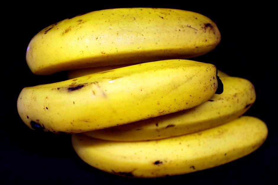 """Tesco promuje """"brzydsze"""" owoce i warzywa"""