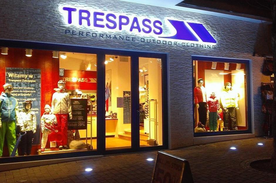 Trespass w wielkim centrum wyprzedażowym