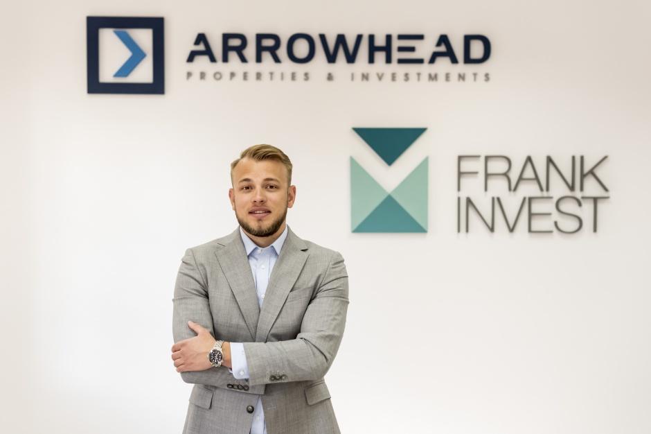 Arrowhead z nowymi kontraktami, małe Centra Handlowe przyszłością