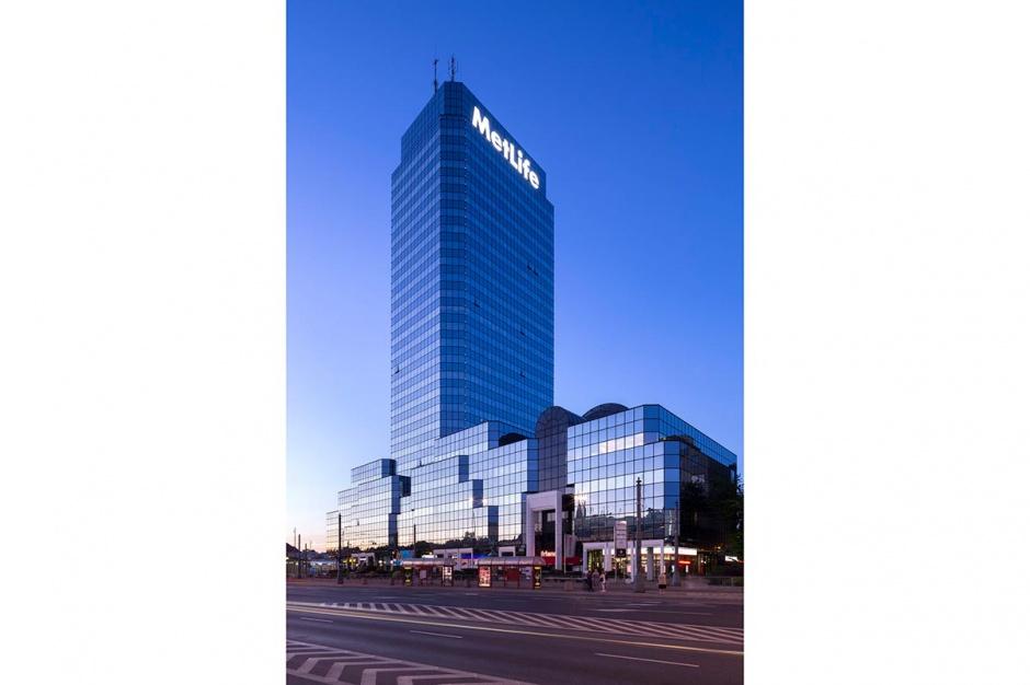 Biuro w Błękitnym Wieżowcu zlokalizowanym na Placu Bankowym 2 - otrzymało  Certyfikat LEED for Commercial Interiors na poziomie Złotym