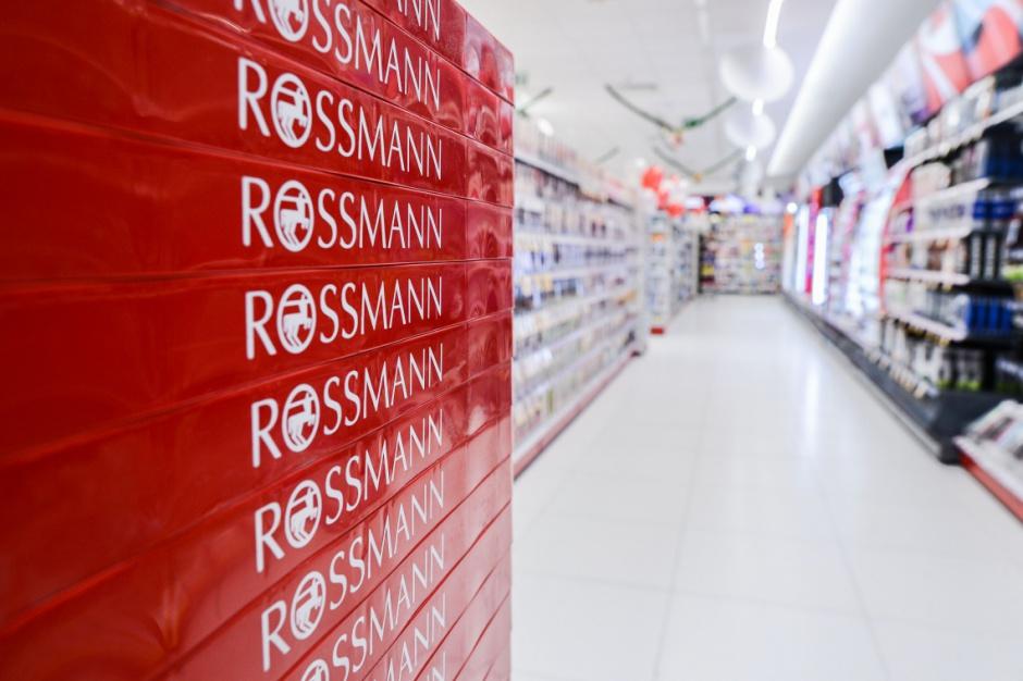 Rossmann szuka pomysłów na wnętrza sklepów premium