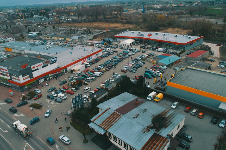 Więcej handlu w Hrubieszowie. Nowy park już otwarty