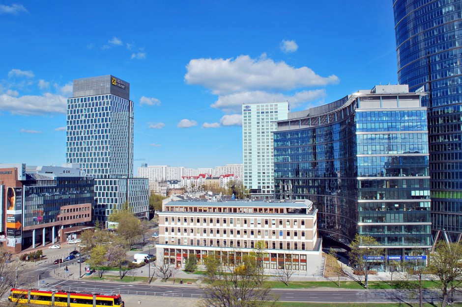 Warszawa gotowa na wejście do czerwonej strefy