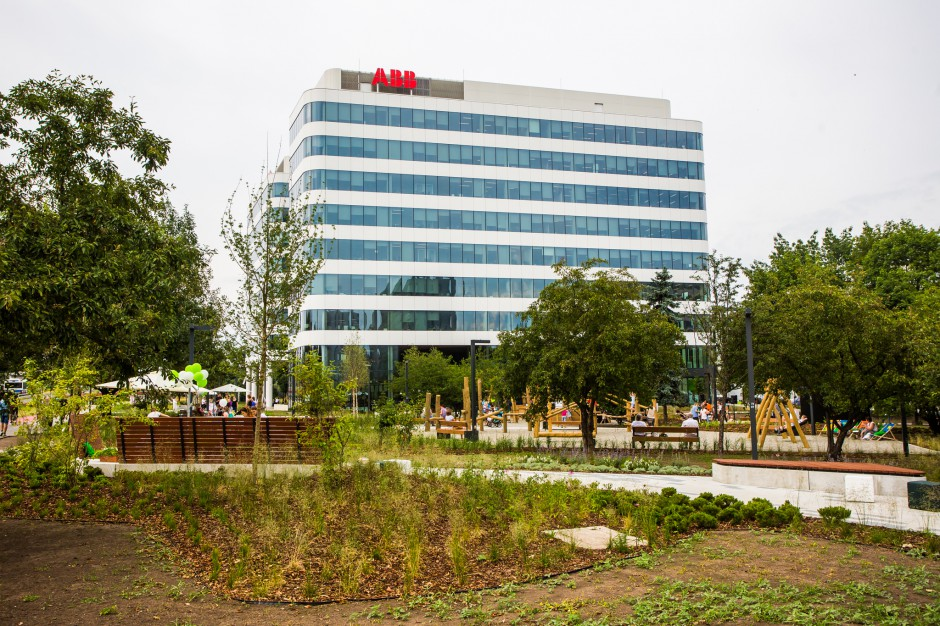 ABB zostaje w biurowcu AXIS