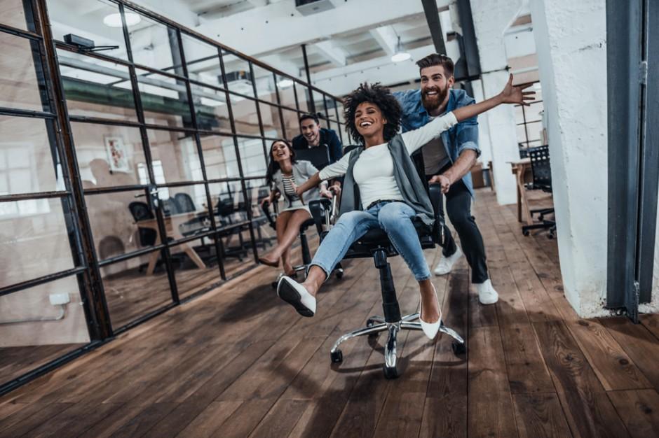Za 20 lat praca dostosuje się do nas. 5 trendów biurowych sprzyjających pracownikom
