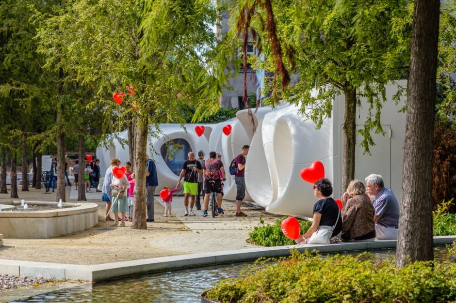 Biurowy Plac Europejski z kolejną odsłoną galerii sztuki