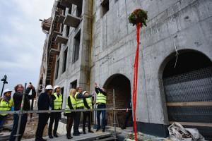 Deo Plaza z wiechą. To kolejny krok w powrocie Wyspy Spichrzów do Gdańska