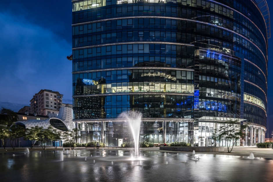 Budynek Warsaw Spire w nowych rękach. Milionowa transakcja Ghelamco