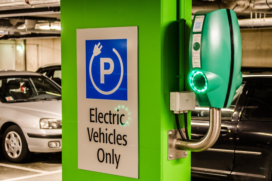 W Focus Bydgoszcz ruszyła stacja szybkiego ładowania aut elektrycznych. Pierwsza w kujawsko-pomorskiem