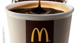 Złote łuki kuszą aromatem darmowej kawy