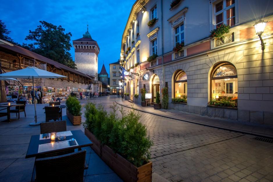 Hotel Polski. Fot. www.donimirski.com