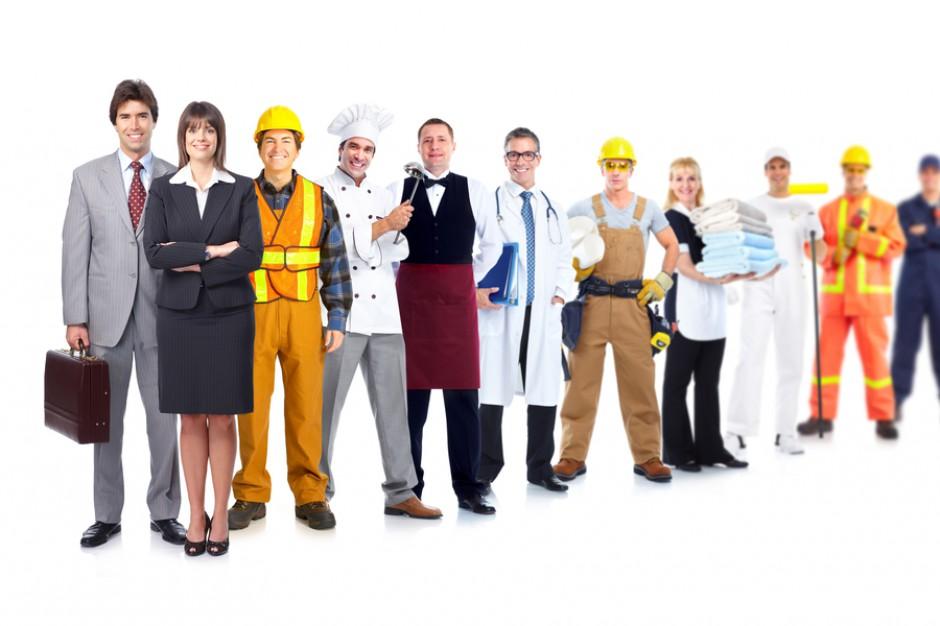 Deficyt rąk do pracy coraz bardziej odczuwalny. Co zmienią nowe przepisy