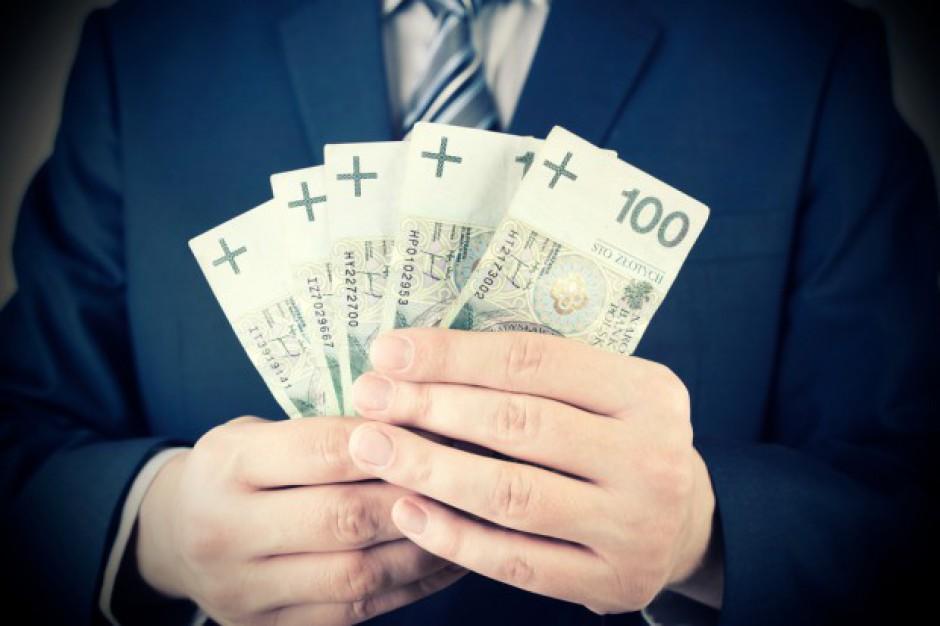 GUS policzył o ile więcej zarabiają mężczyźni