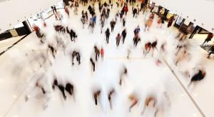ZPPHiU: Przedświąteczny ruch w centrach handlowych mniejszy o nawet 65 proc. r./r.