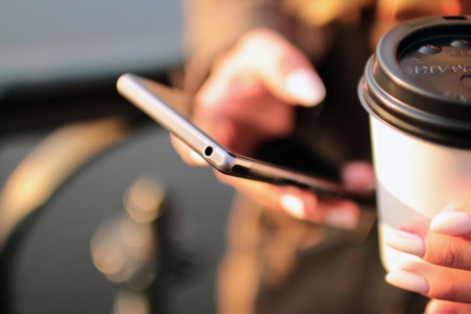 Jak wykorzystać Black Friday, Cyber Monday i święta? Sklepy wysyłają rekordowe liczby SMS-ów