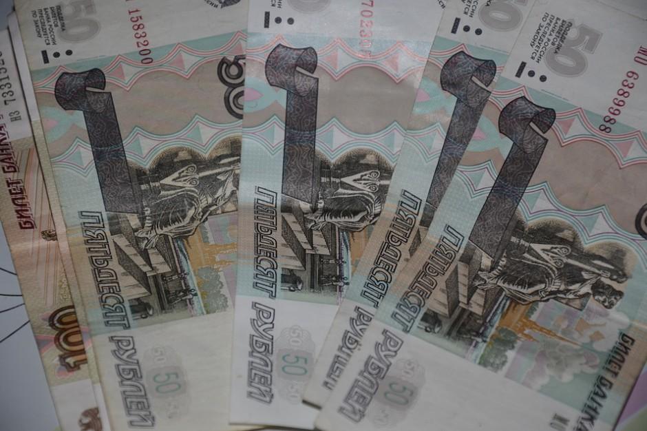 Rosjanie zostawiają coraz więcej pieniędzy w Polsce