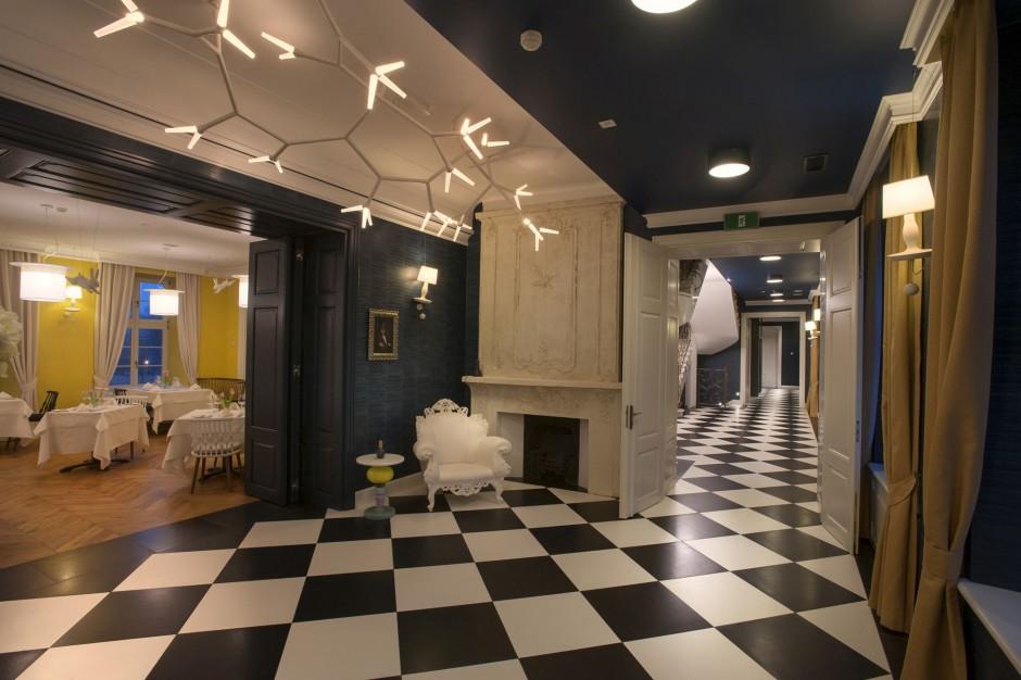 Gdyński hotel pokochał luksus. Zobacz jak wygląda pałacowy przepych