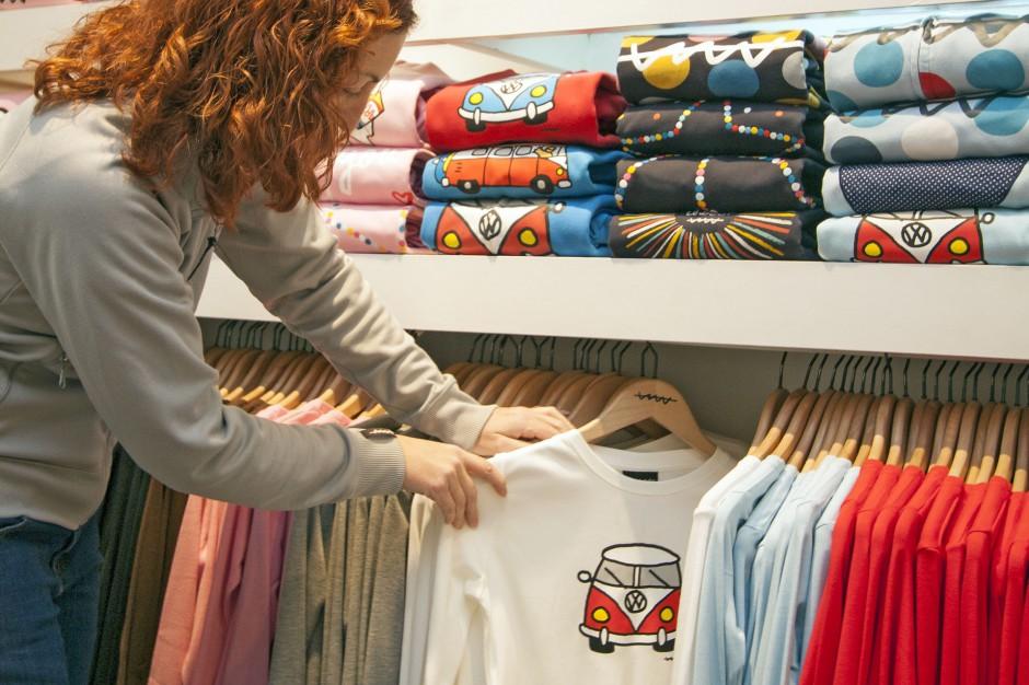 H&M słabiej w salonach, lepiej w sieci