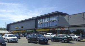 Newbridge planuje zakup kolejnych parków handlowych