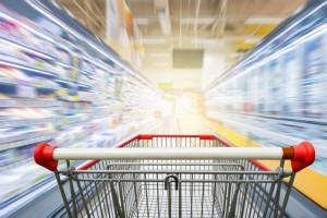 Sieci handlowe ograniczają użycie plastiku, ale wciąż nie mają systemu kaucyjnego