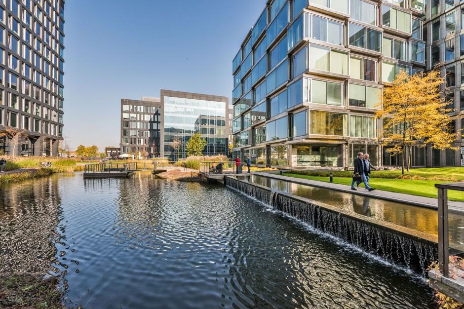 Platinium Business Park w złotym blasku